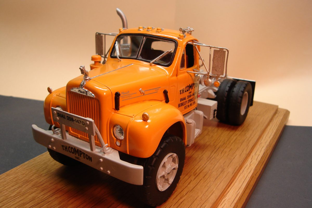 Mack Truck Model Kits : Mack american industrial truck models